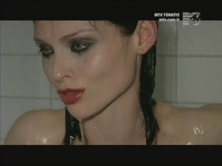 Sophie Ellis Bextor Today The Sun'S On Us